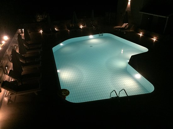 Avdou, Greece: uitzicht op het zwembad