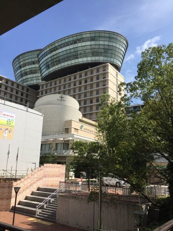 My Dome Osaka: 本町通り側から見た外観
