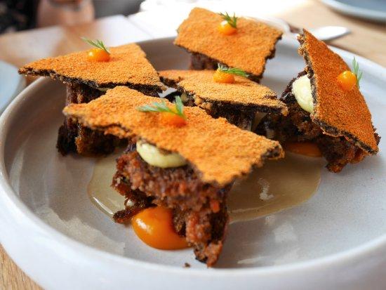 Cirrus Dining: Carrot cake