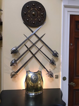 Inveraray, UK: Sword display
