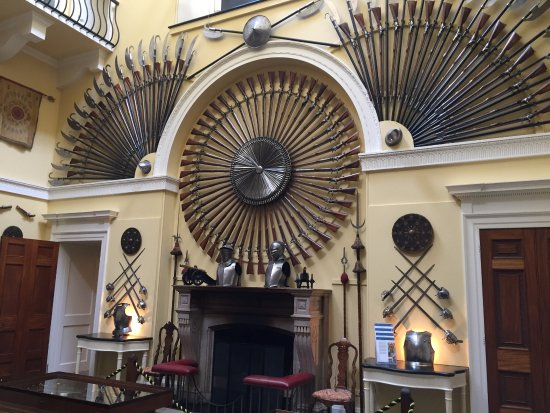 Inveraray, UK: Weapon room