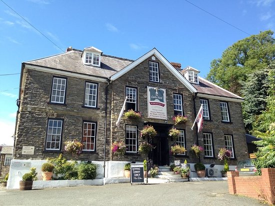 Bishops Castle, UK: The Castle Hotel Front