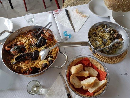 Da Buco: Spaghetti allo scoglio e alle vongole