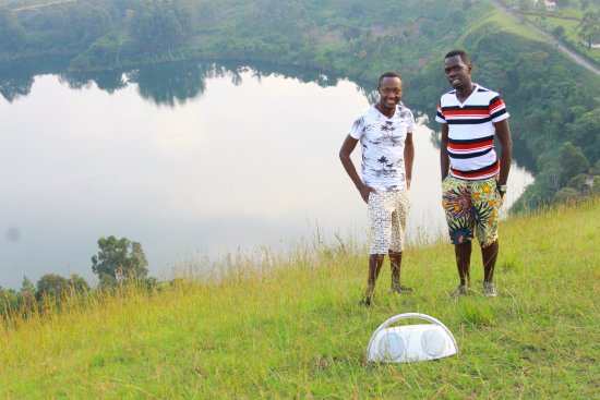 Fort Portal, Ουγκάντα: ....at the craters surrounding amabere caves & campsite