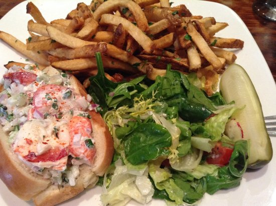 Bethesda, MD: Lobster roll, French fries, and salad