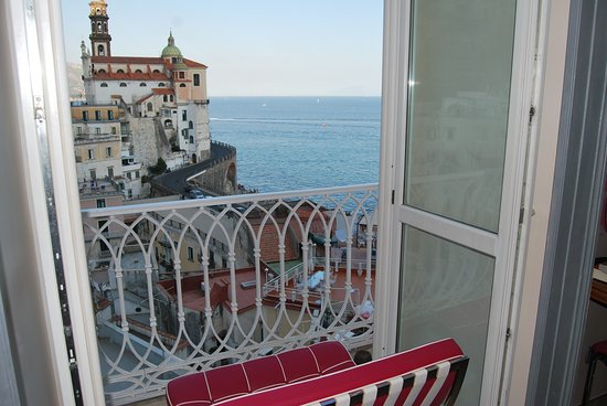 Atrani, Italia: we moved the bench here to sit and look out, it wasn't in the doorway the whole time