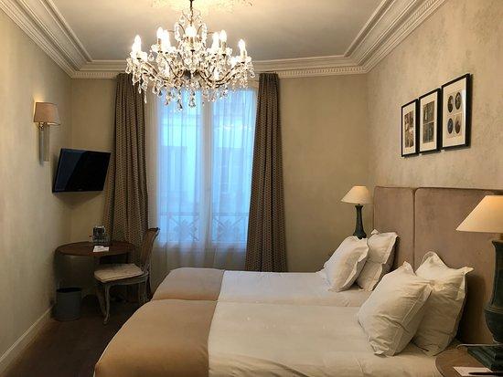 New Hotel Roblin La Madeleine : photo2.jpg