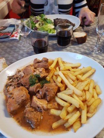 La Riviere-Saint-Sauveur, Франция: sauté  de  porc  frit