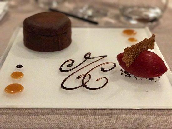 Chateauneuf-de-Gadagne, Frankrijk: Mi-chocolat avec son sorbet framboise