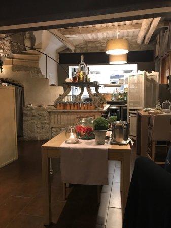 Chateauneuf-de-Gadagne, Frankrijk: Vue sur les cuisines