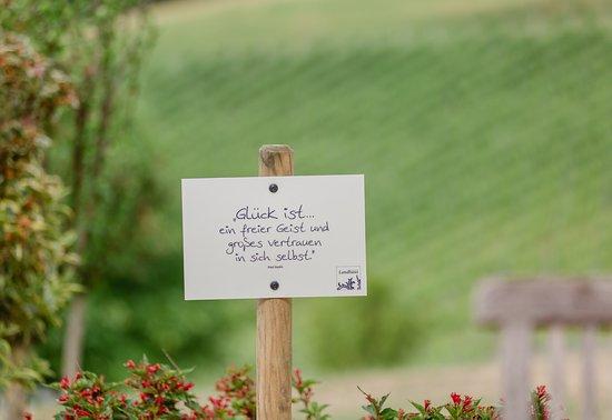 sprüche garten Sprüche im Garten   Bild von Ratscher Landhaus, Ratsch an der  sprüche garten