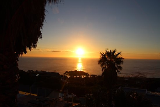 Atlanticview Cape Town Boutique Hotel: Fantastic sunset views from the pool area