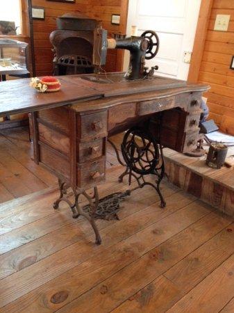 Daufuskie Island, SC: Sewing Machine
