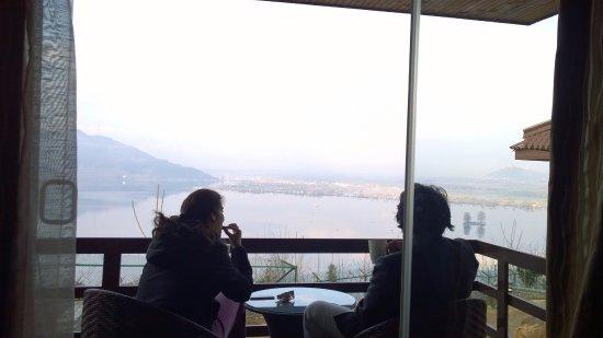 Vivanta By Taj Dal View: morning tea!