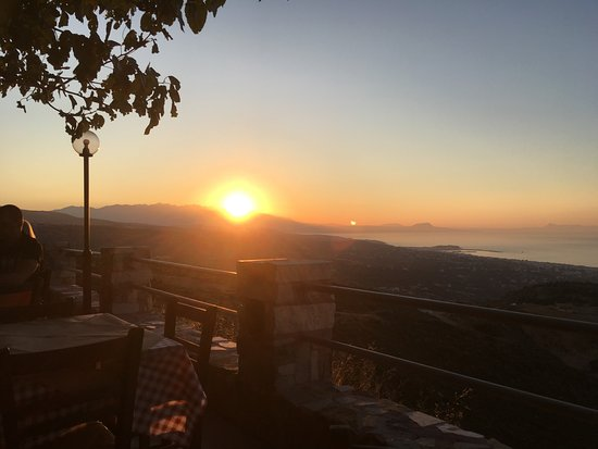 Maroulas, Greece: The sunsetting over the mountains