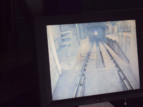 Эвимор, UK: CCTV in drivers cab looking through the summit tunnel