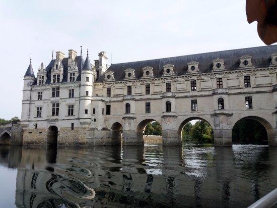 Chisseaux, Francia: Passage sous le château réussi