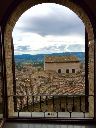 Lisciano Niccone, Italia: What a view from hotel window in Cortona