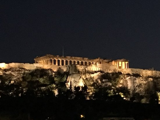 Plaka Hotel: Evening Acropolis view from rooftop terrace
