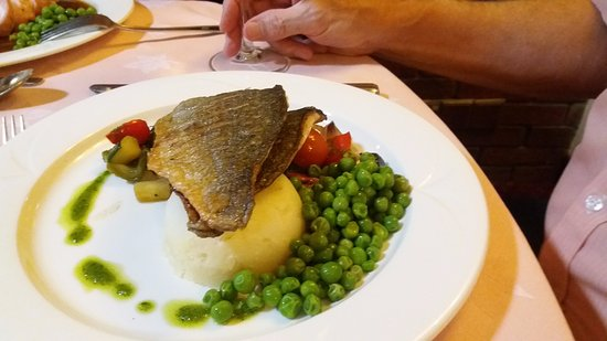 The Mussel and Crab: Sea bream