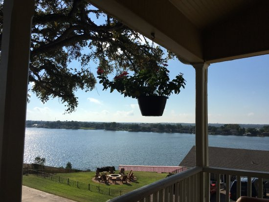 Granbury, TX: A beautiful historical home on the Brazos