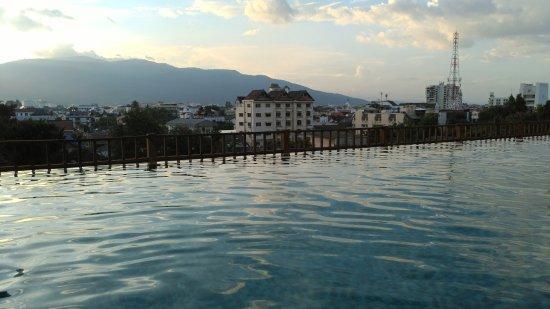 清邁艾美酒店: 泳池