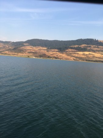 Cruise Okanagan: Calm Waters beautiful scenery