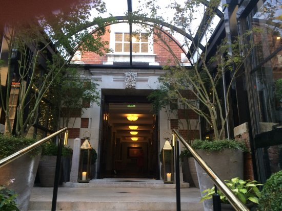 The Bloomsbury: The entrance to the hotel