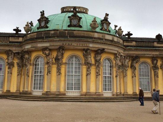 Sanssouci Palace: The facade