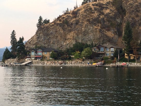 Vernon, Canadá: Beautiful Waterfront/Lake view Homes