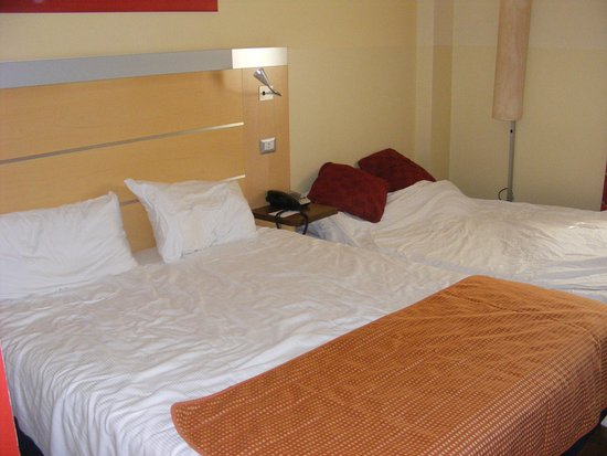 Holiday Inn Express Milan-Malpensa Airport Photo