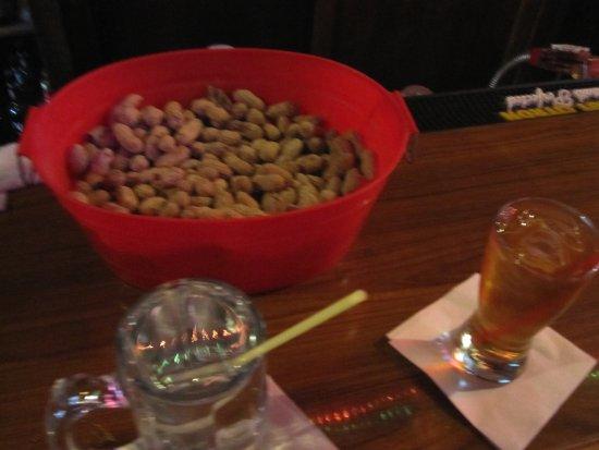 เบลล์เพลน, มินนิโซตา: Da drinks and nuts
