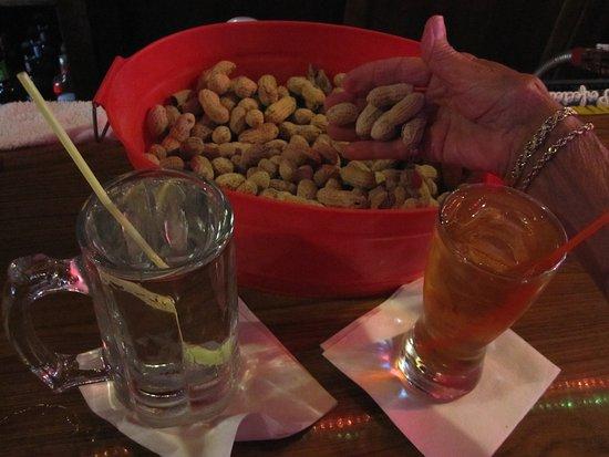 เบลล์เพลน, มินนิโซตา: More Da Drinks and Nuts