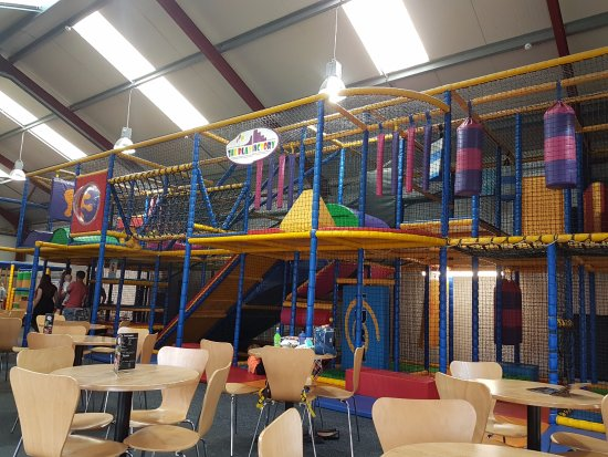 Louth, UK: Excellent play-barn @ £5;50 all day