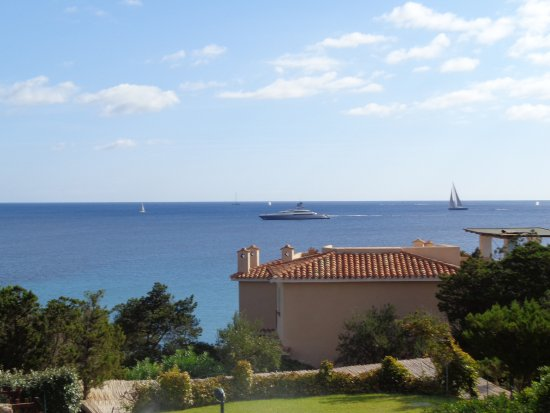 Colonna Country and Sporting Club: View to Sea from Grounds