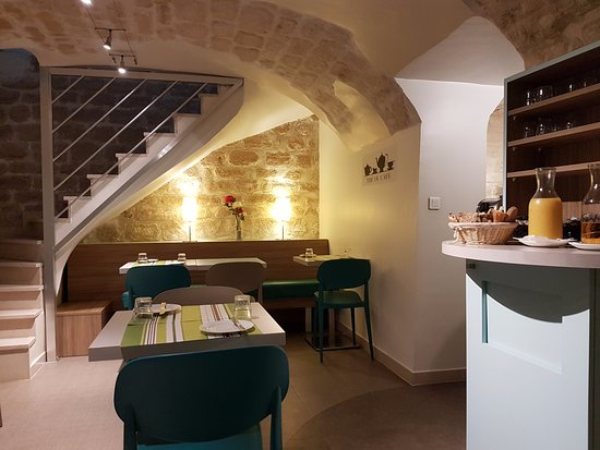Hotel St. Georges Lafayette: café da manhã aconchegante. Local chique e impecável. Dois ambientes. Só para quem ama Paris. Am