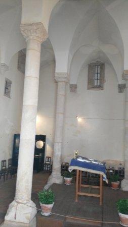 Synagogue of Tomar: interior de la sinagoga
