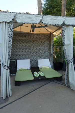 Paradise Valley, AZ: rent this cabana for the day!!
