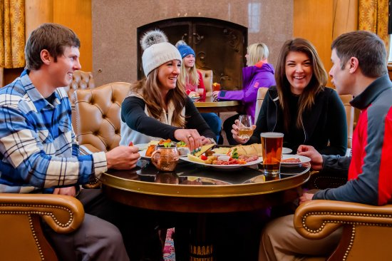 Snowbasin Resort: Après in the Cinnabar in Earl's Lodge is a great place to end your ski day.