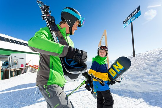 Huntsville, Γιούτα: Ski or snowboard, Snowbasin is great for everyone