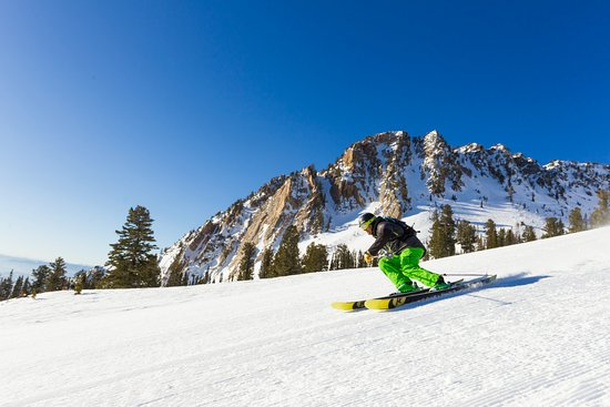 Huntsville, UT: Ripping groomers off of Strawberry Gondola