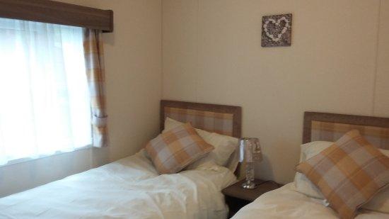Dollar, UK: Second bedroom
