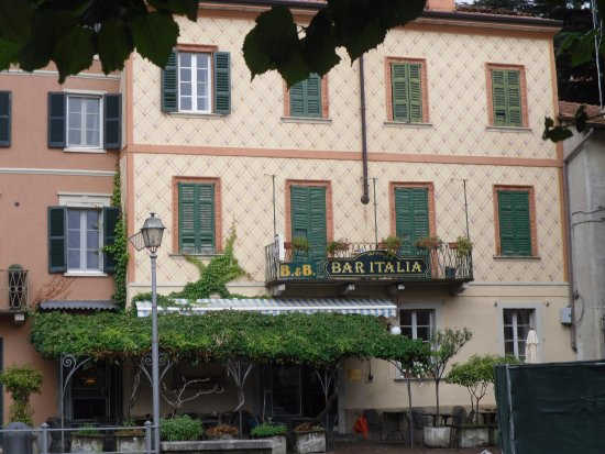 Torno, Italy: Great little find with a lake harbour view