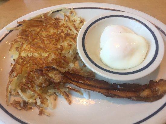 Уэст-Сакраменто, Калифорния: Combo with Eggs, Bacon and Hash Browns