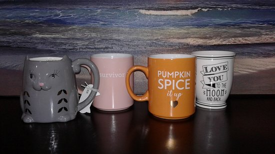 Λονγκ Μπιτς, Ουάσιγκτον: Just some of the many mugs we have in our Redemption Center. Check it out! Open 10-10. #FunlandL