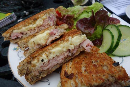Muker, UK: Toasted sandwich delicious