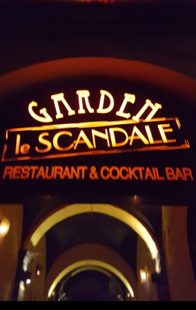 Le Scandale: Nice restaurant and bar.