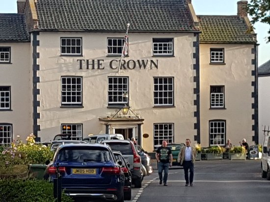 img 20170923 wa0063 picture of the crown hotel. Black Bedroom Furniture Sets. Home Design Ideas