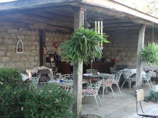 Jailer's Inn Bed and Breakfast: Breakfast area.