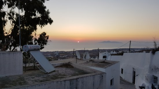 Ersi Villas: View of the sunrise from our terrace